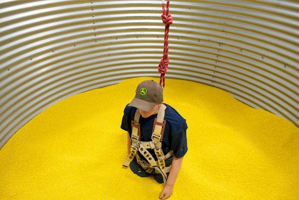 7 grain bin safety measures for teenage farm workers