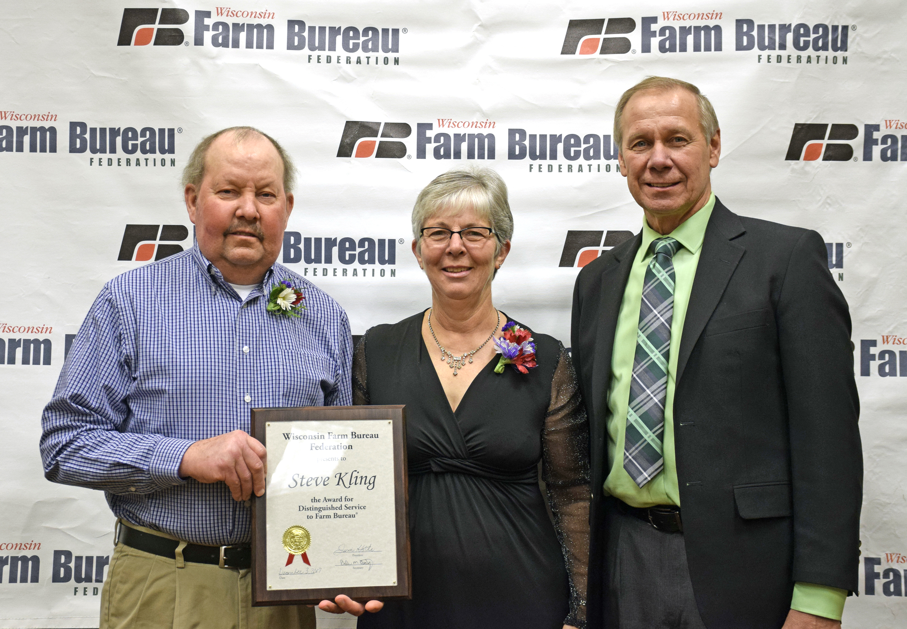 Steve Kling Receives 'Distinguished Service to Farm Bureau' Award